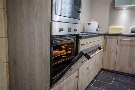 menuiserie cuisine colonne four et micro onde batixel menuiserie cuisine