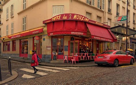 montmartre rue lepic cafe des deux moulins amelie po