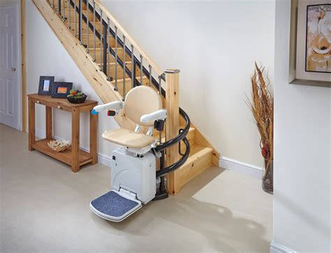 siege pour escalier monte escalier tournant rails monteescalier
