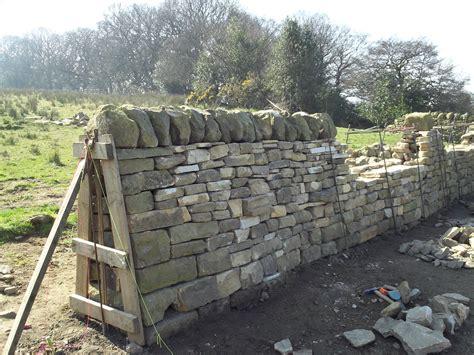 split level house designs clive elsdon passes lantra level 2 walling
