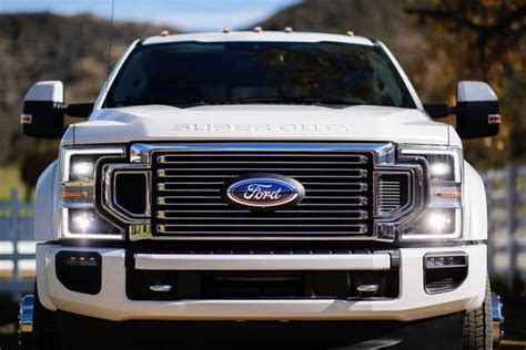 ford  series super duty   engine  tech