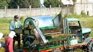 Rice Thresher Machine