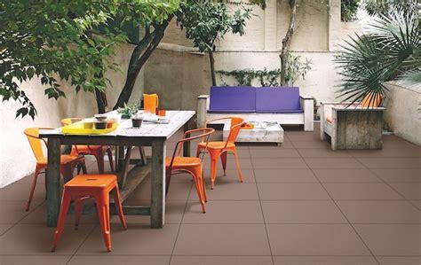 posa delle piastrelle posa delle piastrelle per pavimento idee green