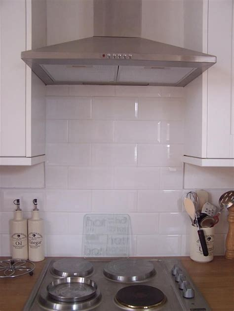 kitchen white brick tiles bevelled edge metro gloss white brick tile deal 20 x 10 6474