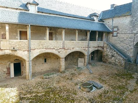 vente ancienne maison forte m 233 di 233 vale aveyron