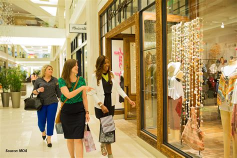 Window Shopping by Bloomington S Mall Of America 174 Invites You Inside