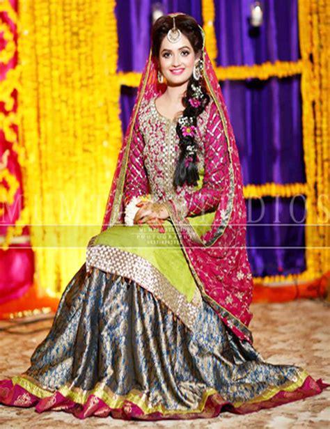 Pakistani Mehndi Dresses 2018 For Wedding Brides | BestStylo.com