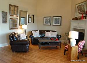 How to arrange furniture in a room with a corner fireplace for Living room furniture arrangement corner fireplace