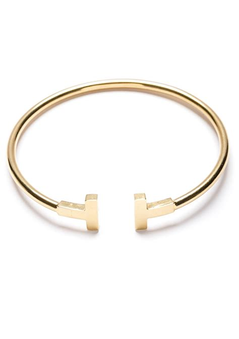 Minimalist Style Gold Bangle  Happiness Boutique. Simple Gold Band. Heartshaped Diamond. Entry Bracelet. Citrine Bracelet. Famous Watches. Roger Diamond. Vintage Diamond. Iced Out Wedding Rings