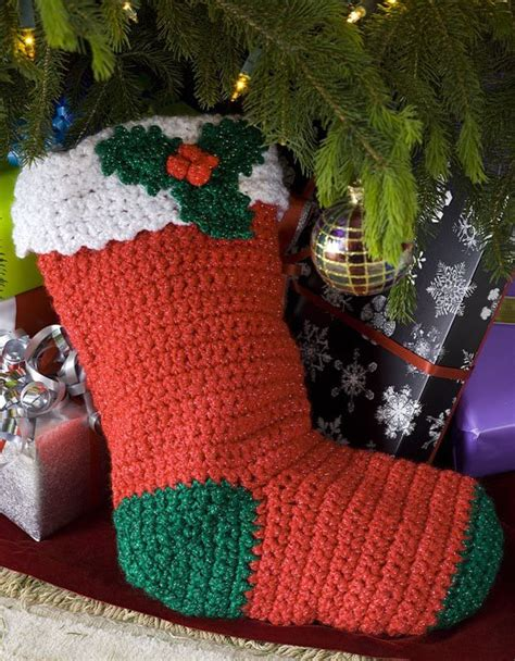 easy crochet christmas crafts favecrafts