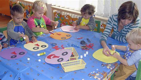 garden preschool prague stay 331 | prague%20sunny%20garden%20preschool%20art%20class resize~sunny garden preschool art class