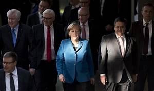 Merkel's popularity drops in Germany amid migrant crisis ...