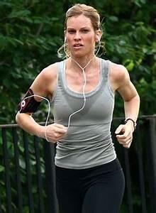 Hilary Swank Body Measurements Bra Size Height Weight Shoe ...