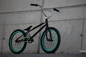 BMX Bike HD Wallpaper 1970 - Bikes HD Desktop Wallpaper