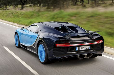 Yıldız futbolcu cristiano ronaldo, dünyanın en pahalı arabası olan bugatti la voiture noire'yi 9.5 milyon paund karşılığında satın aldı. Bugatti Chiron: el superdeportivo del que presumen Ronaldo y Benzema | Foto 3 de 22 | Motor | EL ...