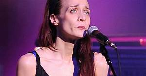 Texas Sheriff39s Department To Fiona Apple 39Just Shut Up