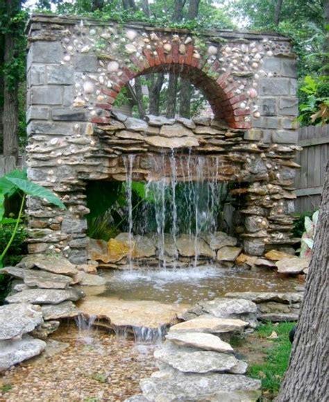 creer un bassin exterieur astuces pour cr 233 er votre propre bassin de jardin moderne bassin de jardin bassin et