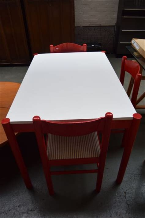 1970s formica kitchen table and chairs a 1970s formica kitchen table with three lot 459 busby