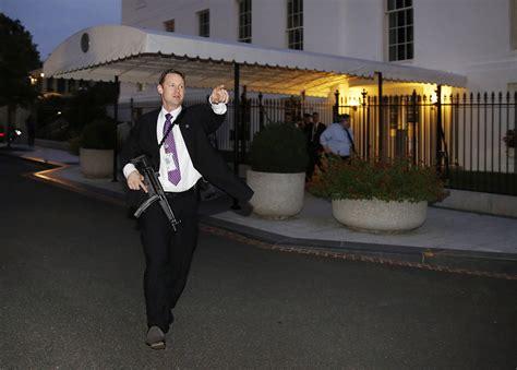 white house security the secret service detail surrounding president obama