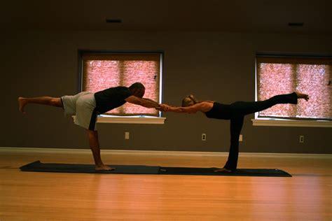 Aurorae's 12 Yoga Poses Of Christmas