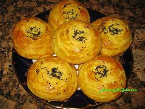 shor gogal is a popular non sweet multilayered bun with a