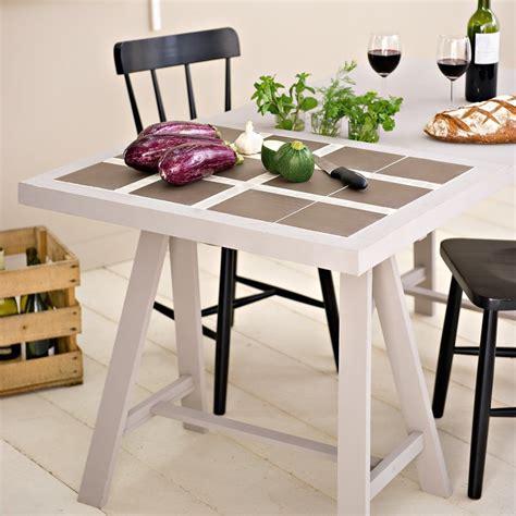 table pour cuisine un plan de travail en carrelage
