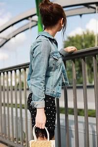 Kleid Mit Jeansjacke : outfit inspiration kleid mit polka dots und jeansjacke modeblog aus deutschland style by an ~ Frokenaadalensverden.com Haus und Dekorationen
