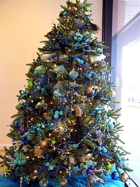 blue and gold christmas trees 101 tanenbaum colour combos fantastical wedding stylings