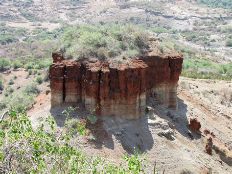 Soubor Route66 For Rocks Jpg Wikipedie Soubor Oldupai Gorge Monolith Jpg Wikipedie