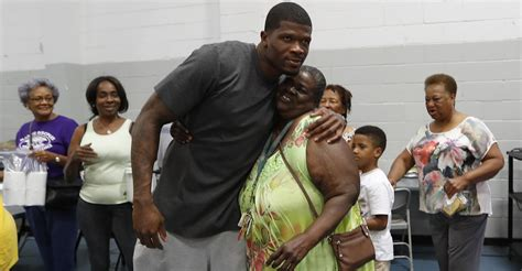 Retired Texans WR Andre Johnson gives back