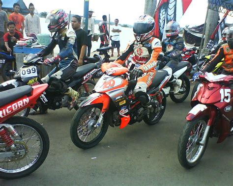 Jupiter Z Roadrace by 40 Gambar Modifikasi Yamaha Jupiter Z Gaya Road Race