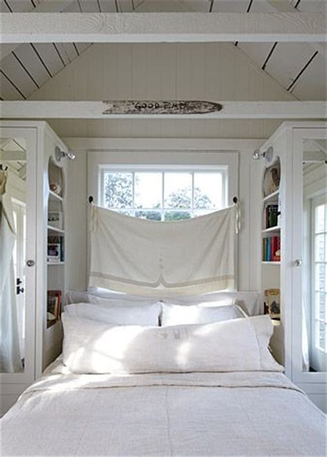 small cottage bedroom best 25 beach cottage bedrooms ideas on pinterest 13310   53c800bc6bdd3f5add48dbe508757f45 beach cottage bedrooms small bedrooms