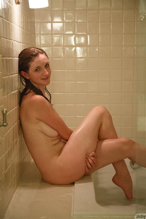 Patience Dolder In The Shower