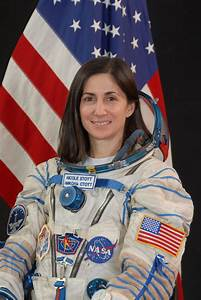 Space in Images - 2009 - 04 - NASA astronaut Nicole Stott