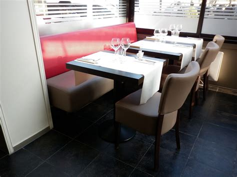 chaise et table de restaurant mobilier de restaurant quot le 42 quot chaise de restaurant beige