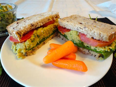lunch sandwiches how to lunch sandwiches mashed chickpea and avocado how to eat