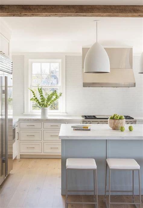Blue And White Kitchen Decor Inspiration {40 Ideas