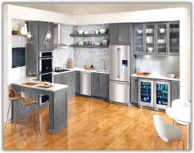 black kitchen cabinets ideas painted black cabinets in kitchen pictures home design ideas