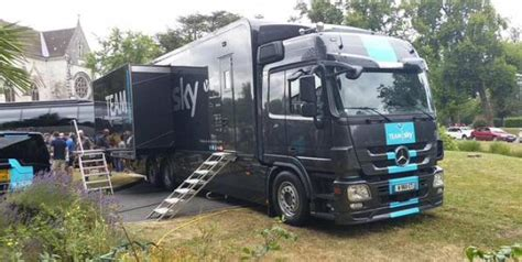 camion équipé cuisine tour de sky un camion cuisine d 39 occasion