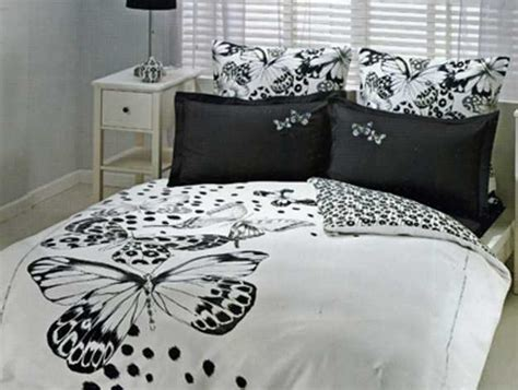 modern bedroom decorating  bedding fabrics