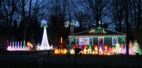 christmas lights in ohio 39 mad town lights 39 animated light display in madison ohio