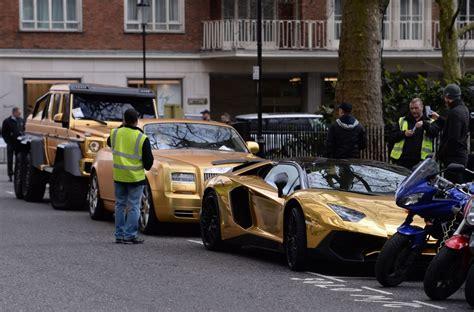 saudi  flew  uk  gold supercars walks