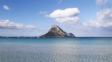 gabbiano azzurro discover tavolara island gabbiano azzurro hotel suites