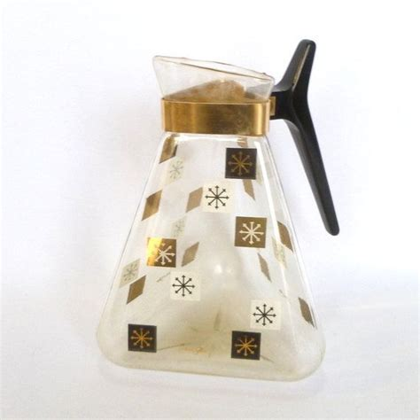 This glass coffee pot is very simple to use, you can make delicious coffee and save your precious time. ATOMIC GLASS CARAFE/ Vintage Coffee Carafe | Vintage ...