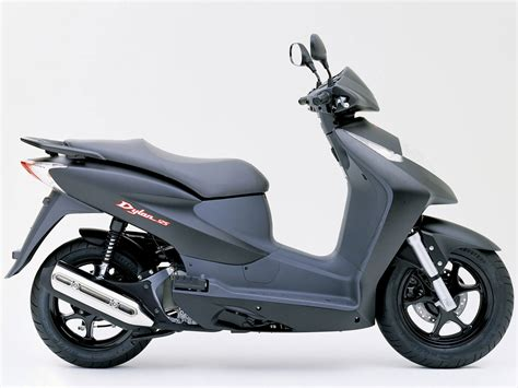 2004 Honda Dylan 125 Scooter Pictures. Accident Lawyers Info