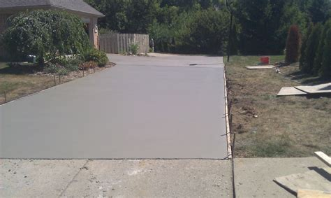 concrete contractors in shelby twp mi 48317