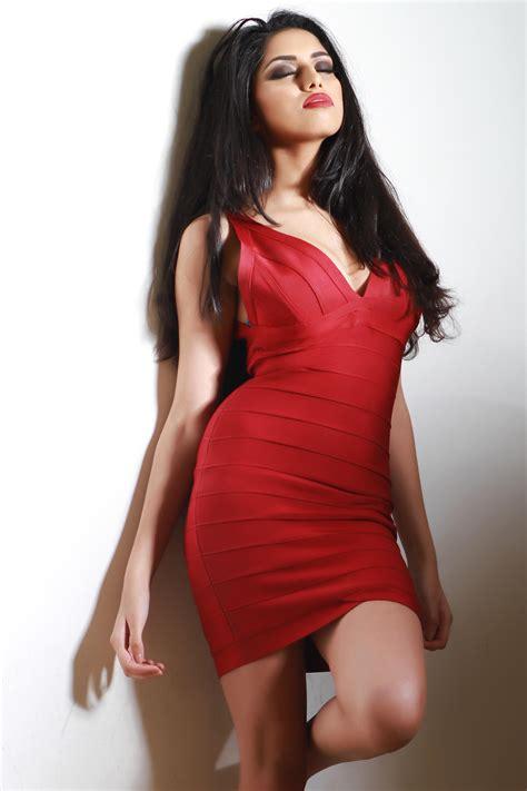 award winning beauty  fashion photographer