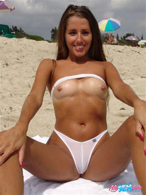 hot beach babe lori anderson doffs bikini to flaunt hard nipples in public