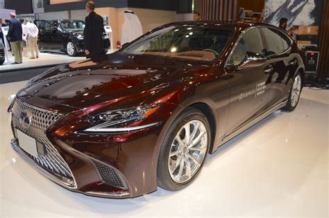 2018 Lexus Ls Showcased At The 2017 Dubai Motor Show