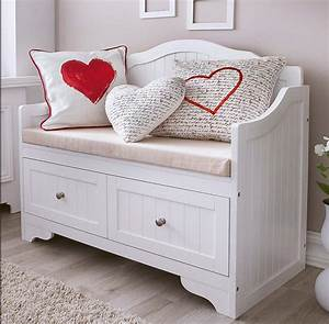 Bank Für Schlafzimmer : bank schlafzimmer stuhl betten mit kissen liebe motive schlafzimmer pinterest haus ~ Markanthonyermac.com Haus und Dekorationen